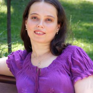 Maria Ercsey-Ravasz – fizician și cercetător științific cu PhD obtinut în fizică la Facultatea de Fizică, UBB și în Tehnologia Informației la Universitatea Catolică Péter Pázmány din Budapesta