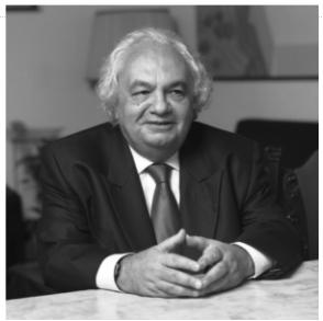 dr. Basarab Nicolescu egyetemi tanár – elméleti fizikus, a Román Akadémia tiszteletbeli tagja, a BBTE társult oktatója