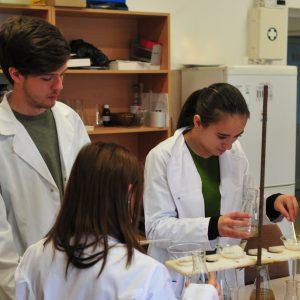 """Experimente magice şi curiozităţi ştiinţifice - în weekend-ul """"Prietenii Științei"""", organizat de UBB"""